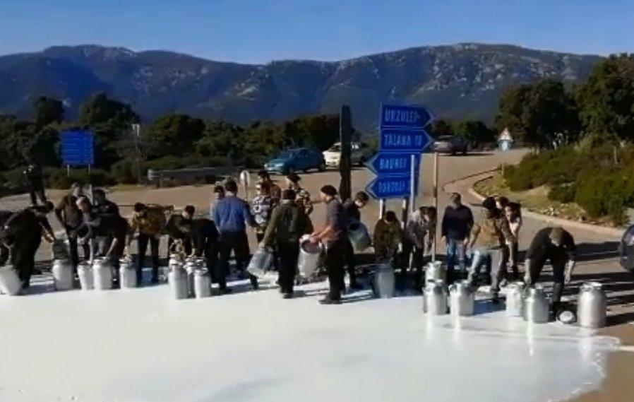 Sa gherra de su latte