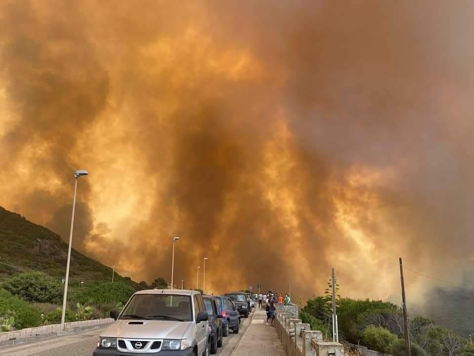 Perché brucia la Sardegna?